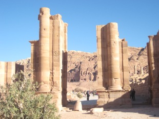 Roman columns, Petra